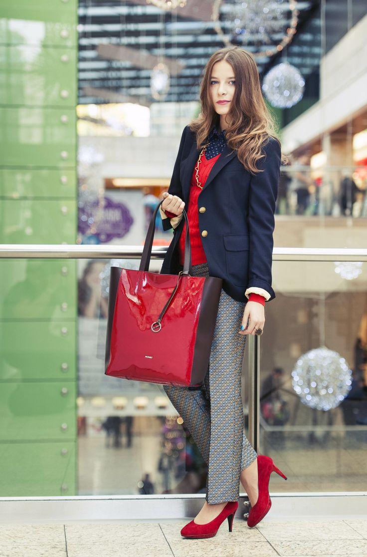 GANT ruhákban, Salamander cipőben és táskával, LouLou Design nyakláncban