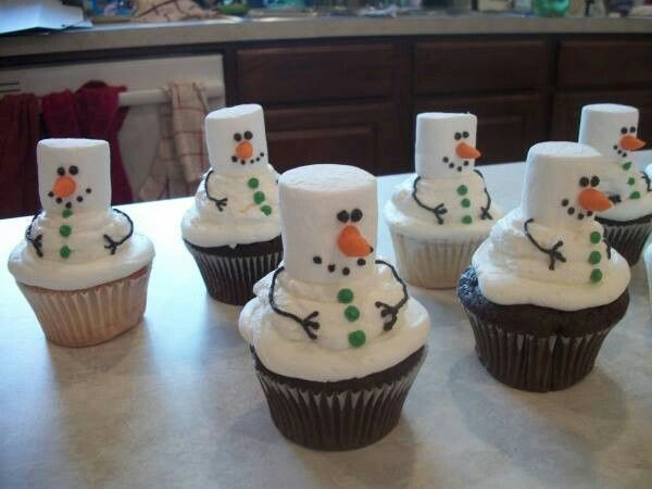 Christmas: Snowman Cupcakes (love the marshmallow heads)