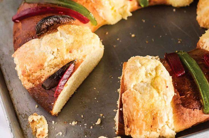 Receta de rosca de reyes casera tradicional. Nada como preparar tu propia increíble y deliciosa Rosca de Reyes. Compártela en familia, ¡les encantará!
