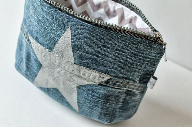 Nice little denim pouch with star. Link leads to blog, but not to picture…