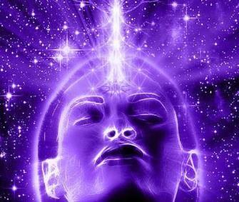 Cea de-a sasea chakra, numita ajna chakra, este centrul energetic ai fruntii, numita si al treilea ochi, prin care clarvazatorii fac vizualizarea in astral cu puterea mintii lor. Prin vizualizare la acest nivel intelegem scanarea si vederea, cu ochii mintii, a planurilor subtile ale astralului propriu. Chakra ajna este localizata deasupra radacinii nasului, avand varful…