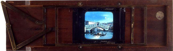 Giorno 12 e 26 aprile dalle ore 14:20, fate un viaggio a Venezia con i vetri della Collezioni Minici Zotti e la guida di un imbonitore esperto!