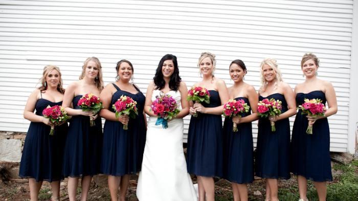 Gaun Wanita - Dress Pengiring Pengantin dengan Model Kekinian dan Warna Blue…