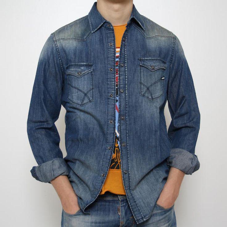 Camicia Gas in jeans  Camicia Gas in jeans, allacciatura sul petto con bottoni a pressione, 2 tasche con pateletta e bottone a pressione, lavaggio tipo stone wash.Comp.: 100% cotone Lavare a 30°.
