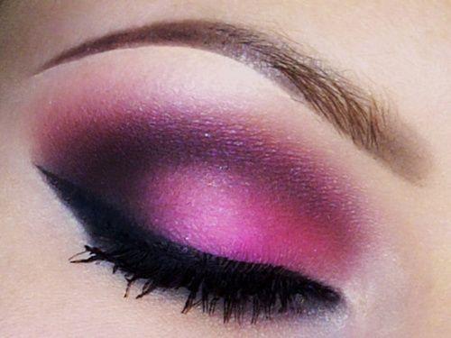 need to try this: Pink Pink Pink, Pink Eye, Eye Makeup, Color, Pretty Pink, Eye Shadows, Makeup Beautiful, Eyeshadows, Purple Eye