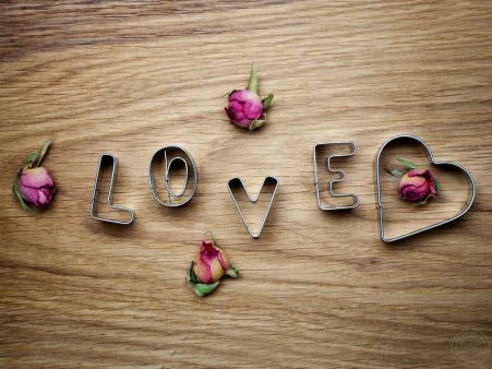 http://alliswall.com/love/love-5