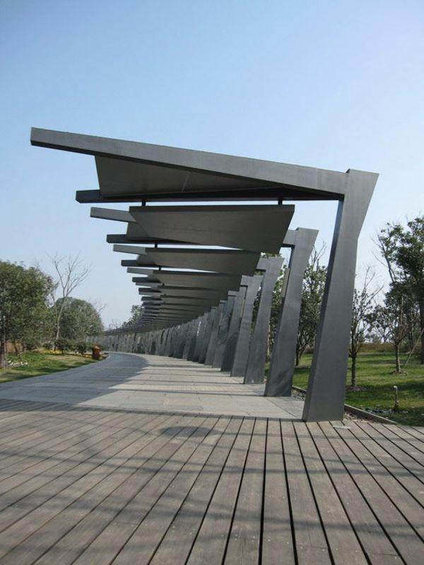 Pergola aus Metall – 40 inspirierende Beispiele und Ideen - moderne architektur pergola metall holzboden terrassendielen