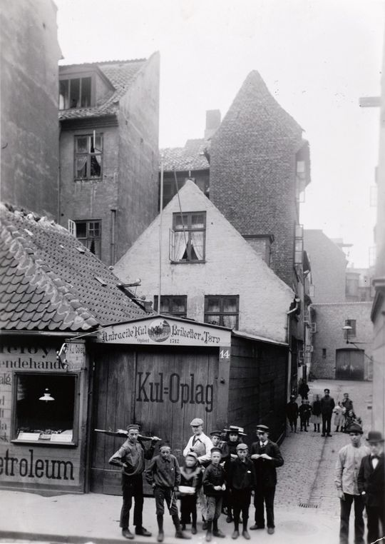 Smedens Gang, 1898