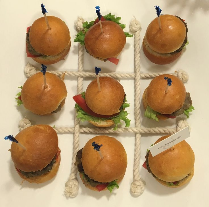 Delicious mini hamburgers! Event catering at the presentation of Tommy Hilfiger Fall/Winter 2016 cruise collection, by #ARIAFineCatering.