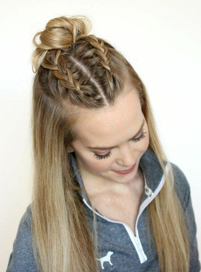 17 best ideas about chignon cheveux long on pinterest coiffure cheveux longs tresse cheveux for Comcoiffure avec tresse facile