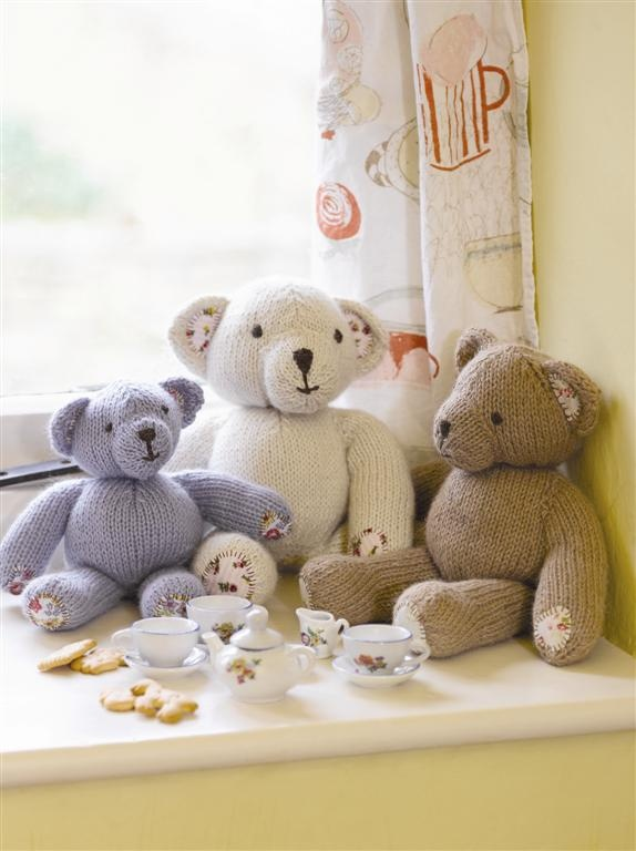 Free teddy bear knitting pattern.