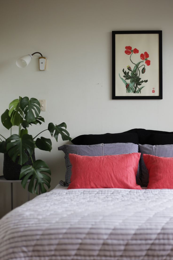 #homestaging by #placesandgraces #bedroom #styling #plants #linen #endemicworld #art