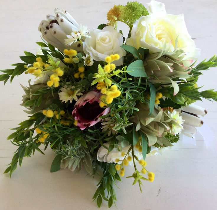 Excited to share the latest addition to my #etsy shop: Australian native bouquet #weddings #bouquet #proteabouquet #nativebouquet #green #white