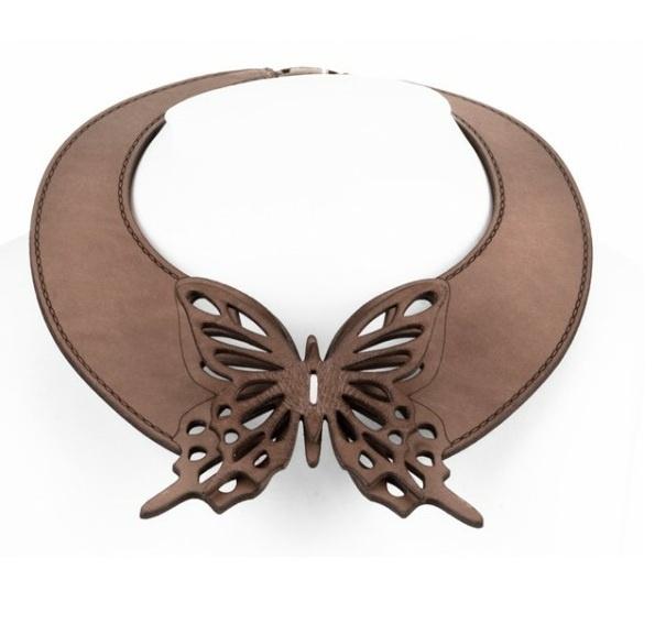Necklace | Daniela Zagnolli. Leather.