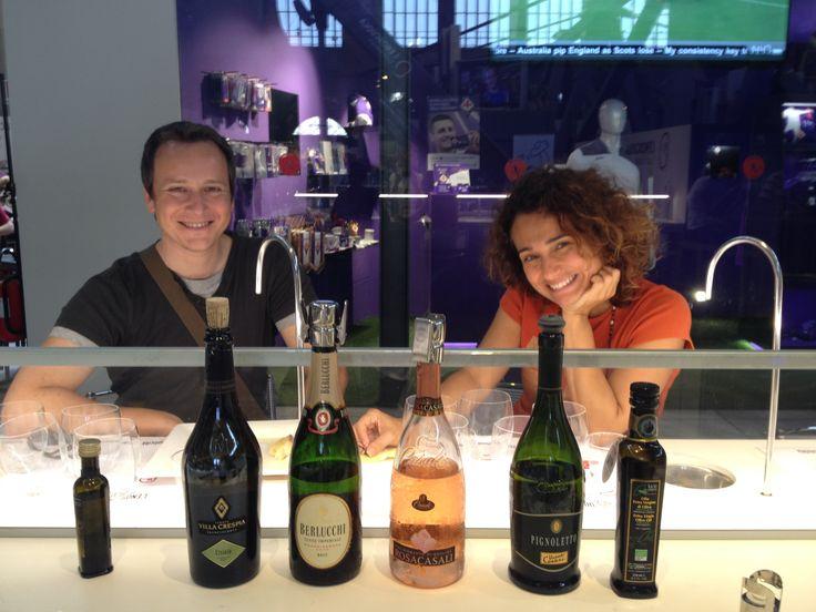 Dall'Emilia Romagna alla Toscana i nostri winelovers impegnati in due degustazioni: vino e olio del Bel Paese!