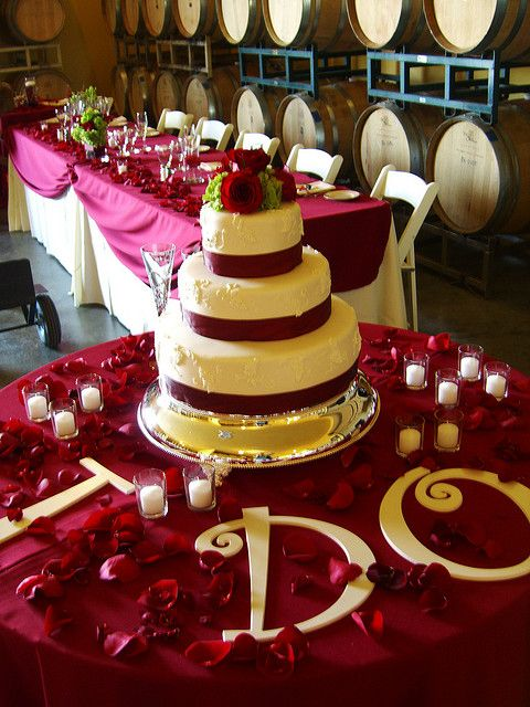 Wedding Cake Tables Vineyard Table Setup Flickr Photo Sharing