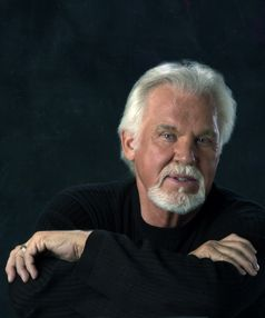 Kenny Rogers at 73 is aging gracefully