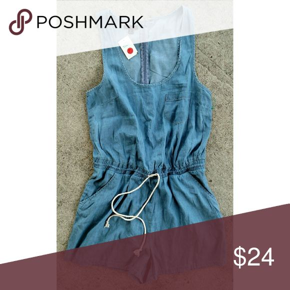"""NWT New Look chambray romper. Size large NWT New Look chambray romper.Elastic and Drawstring waist. Size large . Armpit to armpit 19"""" Waist uncinched 33"""" New Look Shorts"""