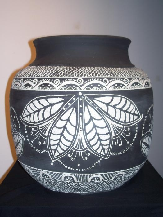 sgraffito vase sharp clean leaves pottery ceramics clay made by Allison Petroski.