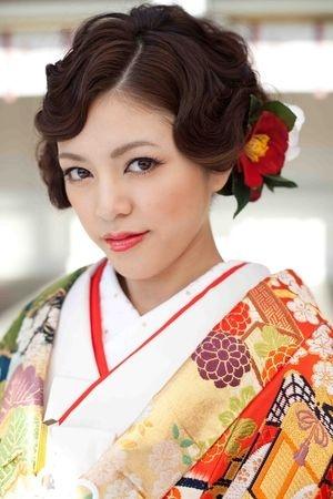 【かわいい】結婚式・披露宴・パーティーで役立つヘアアレンジカタログ【髪型・ヘアスタイル】 - NAVER まとめ