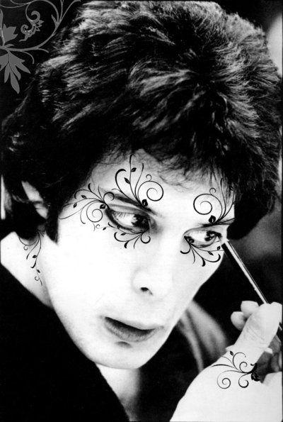 Freddie Mercury ou nei matogrosso?: Music, Freddie Mercury Queens, Black And White Circus, Makeup, Rocks Stars, Art, Fred Mercury, People, Oh Oh Freddie