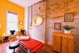 The best naturopath in Toronto works on an ancient principle of utilizing the whole body when it comes to healing a patient.