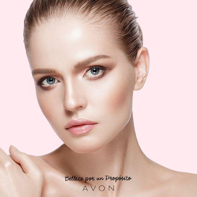 Seducción clara en un rostro nude. Hacé que tu maquillaje muestre toda la armonía de tu rostro.