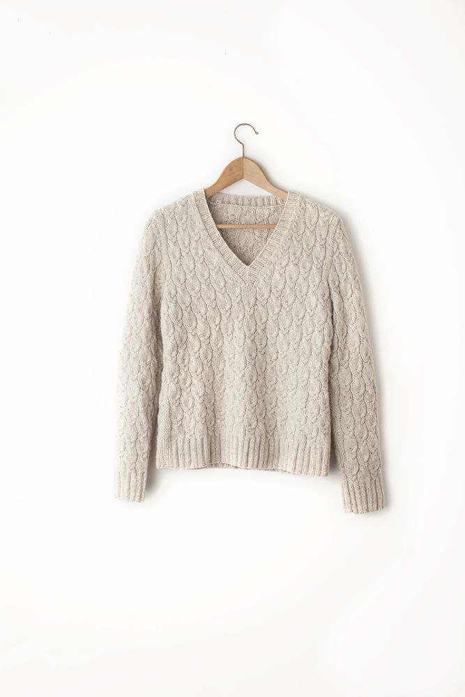 Emery cabled v-neck pullover - Brooklyn Tweed
