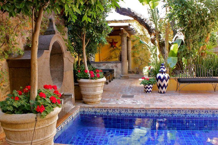 San miguel cote de texas blog home for Barcelona pool garden 4