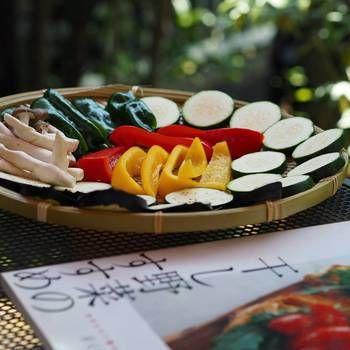 自然食ブームやナチュラルな生活が見直されている昨今、太陽の力を借りて美味しい野菜をさらに美味しく栄養価も高くいただく昔ながらの「干し野菜」
