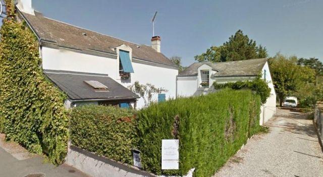 Chambres d hôtes Les Volets Bleus - #BedandBreakfasts - $73 - #Hotels #France #Châteauroux http://www.justigo.uk/hotels/france/chateauroux/les-volets-bleus-chac-teauroux_83061.html