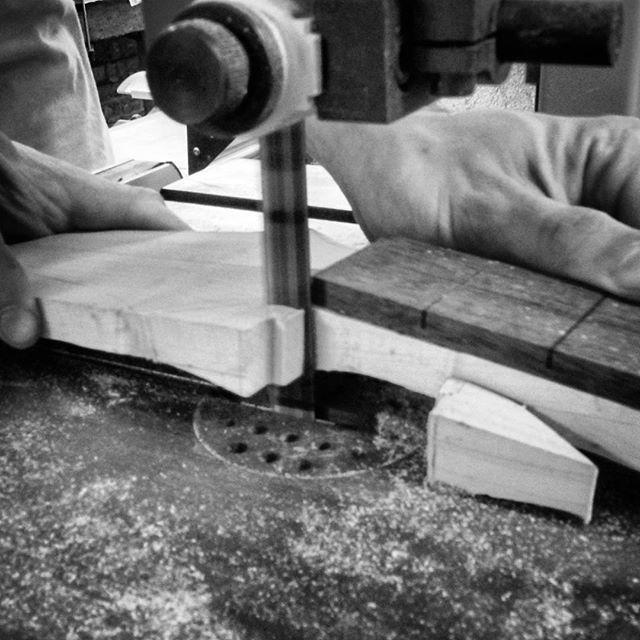 www.bouwerguitars.com  Będzie gitara 🎸 #guitarbuilder #guitar #guitarneck #electricguitar #gitarrenbauer #gitarrer #gitarre #gitara #gitaraelektryczna #luthier #lutnik #szczecin #offmarina #guitarporn #customguitars #customshop #lutnikzeszczecina #lutnicze #wiosło #zachodniopomorskie #pomorzany #gitarzyści #gitarzysta #guitarist #fretboard #bouwerguitars #bouwercustomguitars #warsztat #workshop #guitarporn