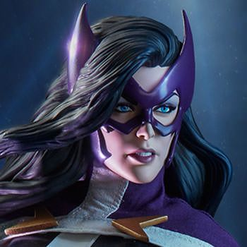 DC Comics Premium Format™ Figure - Huntress
