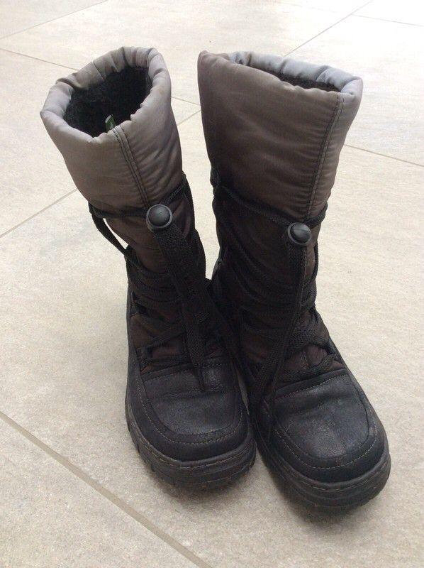 Mein Tolle Tamaris Boots / Winterstiefel warm in grau-schwarz / Gr. 36 / prima Zustand von Tamaris. Größe 36 für 35,00 €. Schau es dir an: http://www.kleiderkreisel.de/damenschuhe/stiefel/167365059-tolle-tamaris-boots-winterstiefel-warm-in-grau-schwarz-gr-36-prima-zustand.