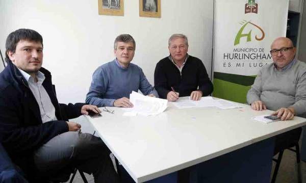 Zabaleta firmó un acuerdo que integra el Laboratorio Municipal de Medicamentos a la red nacional de producción