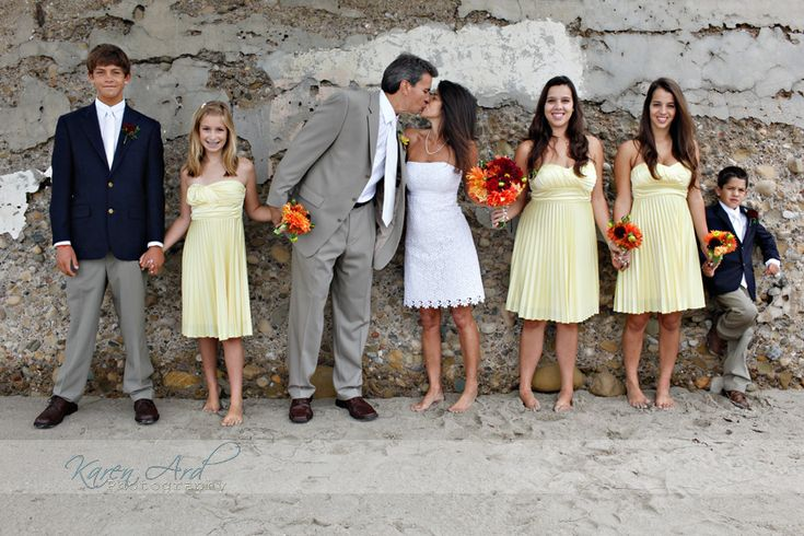 The perfect blended family wedding party.  Everything about this picture makes me smile. <3 themarriedapp.com hearted <3