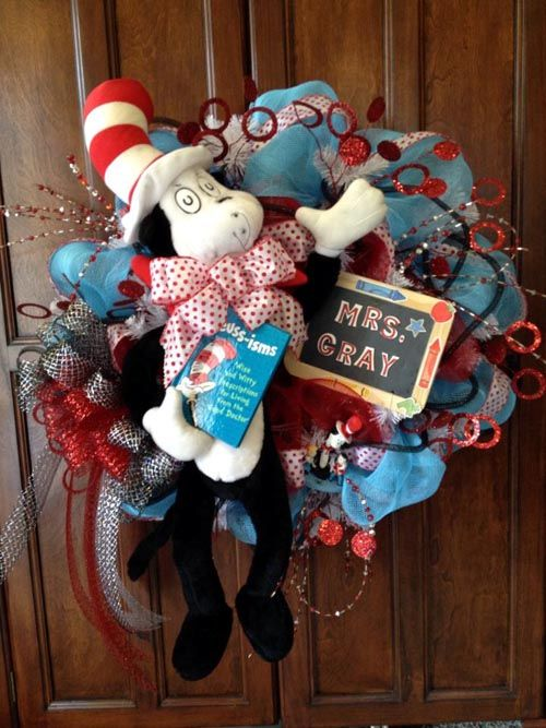 Back to School Teacher Wreaths - Trendy Tree Blog