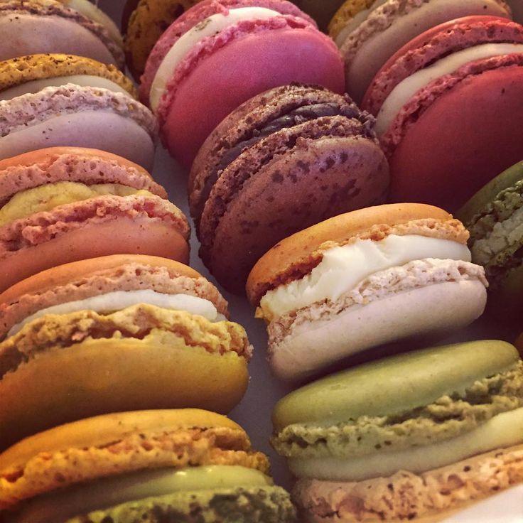 #pierreherme #macarons