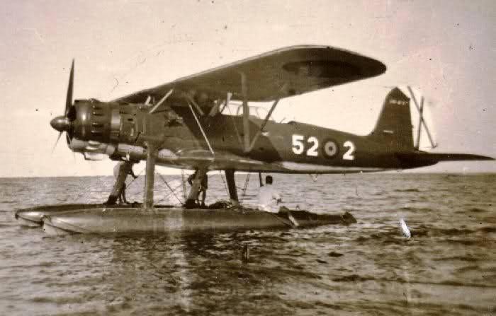 Hidroavión He 114