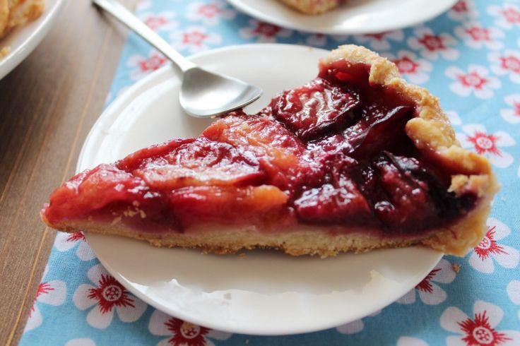 tarte prunes 1024x682 Tarte à lancienne aux prunes et à la cannelle
