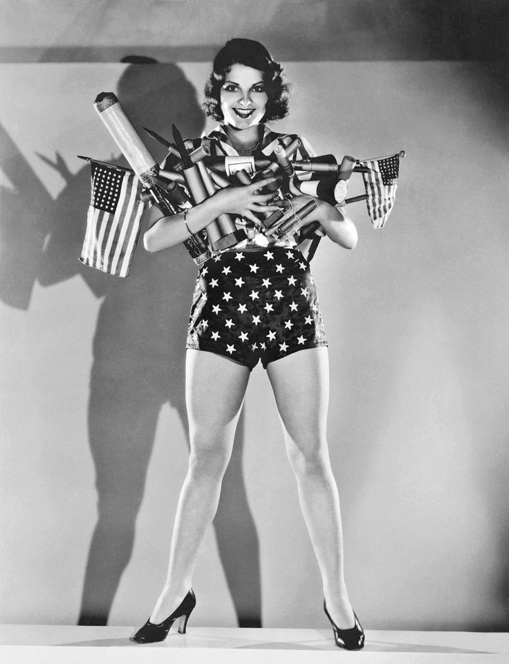 15 Vintage American Flag Photos That Showcase 4th of July Celebrations Throughout The Ages  - ELLEDecor.com