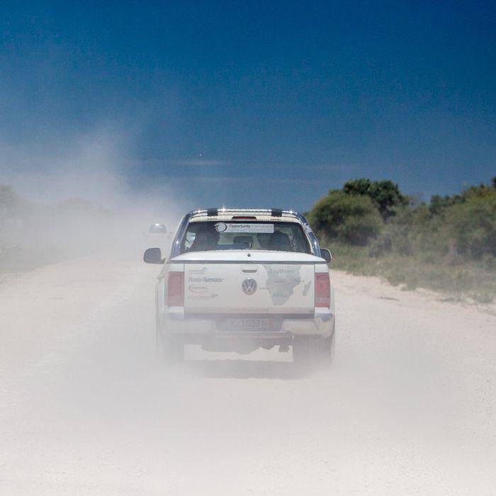 3. Tag: Otavi – Rundu (Namibia), Fahrt durch trockenes Flussbett