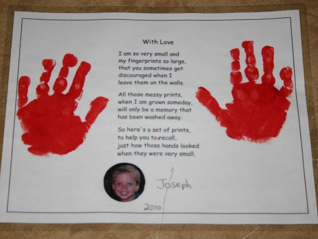 gifts for kids to make for parents christmas | The children made these handprint gifts for their parents (This is my ...