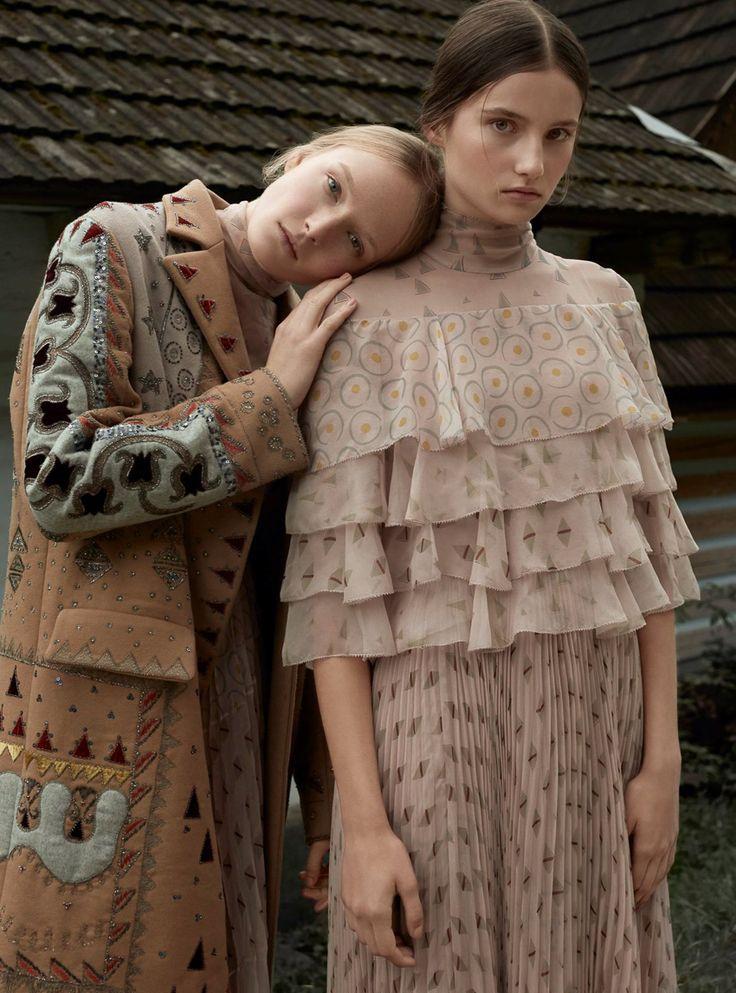 Harper's Bazaar Poland February 2017 Maja Salamon and Julia Modzelewska by Agata Pospieszynska - Fashion Editorials