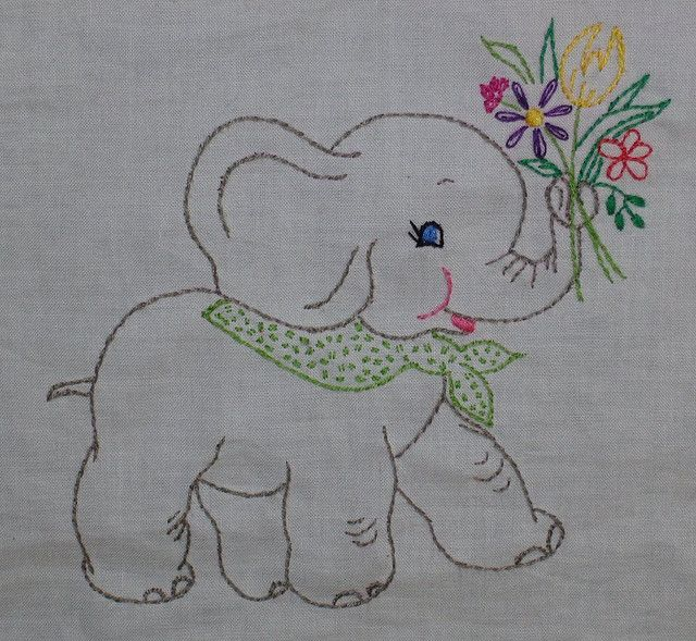 Elephant quilt square by sewclever -  Pattern here: http://www.flickr.com/photos/26533531@N05/3004866405/