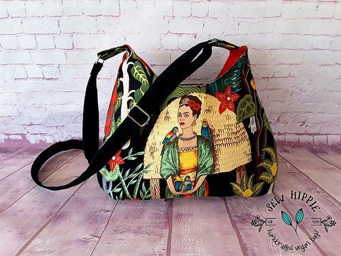 Frida's Garden Shoulder Bag $55.00 plus postage    #fridakahlo #giftforartist #crossbodybag #shoulderbag #handmade #sewhippie #etsyseller
