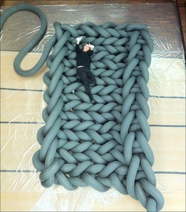 ¡Crochet a lo grande! Mira el trabajo de este artista http://baukeknottnerus.nl