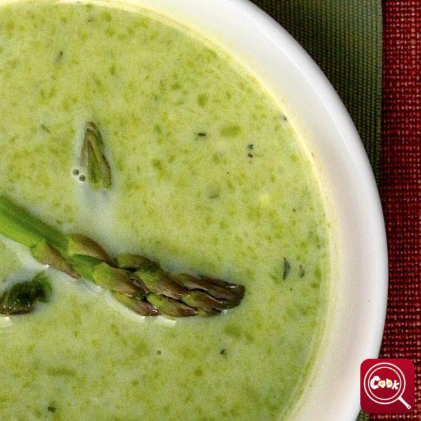 Crema di asparago. Scopri la #ricetta su www.acook.it. Segui i gustosi piatti dei #cuochi di acook e vota i tuoi preferiti. #BuonAPPetito