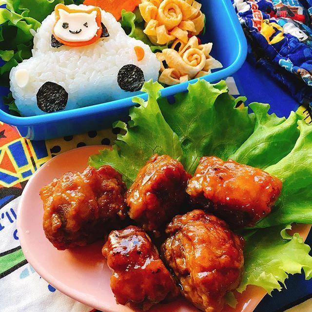 misumisu0722#豚こまの角煮風。#動物おにぎり。 recipe→http://blogs.yahoo.co.jp/chyoko19/69225687.html * simmered in soy sauce with stacked pig scrap meat. 今日の #弁当。 お友達がやってた「薄切り肉を重ねて角煮風」を真似っこ。 豚こまで小さな塊を作って昆布醤油で煮絡めてます。 * テリテリはお砂糖じゃなくて片栗粉 小間切れを集めているから柔らかくて美味しい!  ご飯は「猫さんカー」 * #porkchops #lunchbox #おうちごはん #こどもごはん #クッキングラム #lin_stagrammer #Foodie #delistagrammer #KURASHIRUFOOD #KURASHIRUレシピ #KURASHIRU #糖質制限 #断糖肉食 #MEC食 #lowcarbo #低糖質 #豚こま #foodpic #foodblog #foodlover #instafood #foodporn #instafoods #foodstagram…