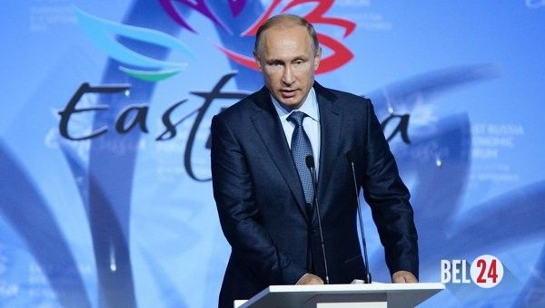 Немецкие СМИ: Путин дожимает Запад в сирийском вопросе.                              Как пишет немецкое издание Deutsche Witschafts Nachrichten, несмотря на неудачную политику Запада на Ближнем Востоке российский президент готов сотрудничать с Вашингтоном ради стабильности в регионе. По